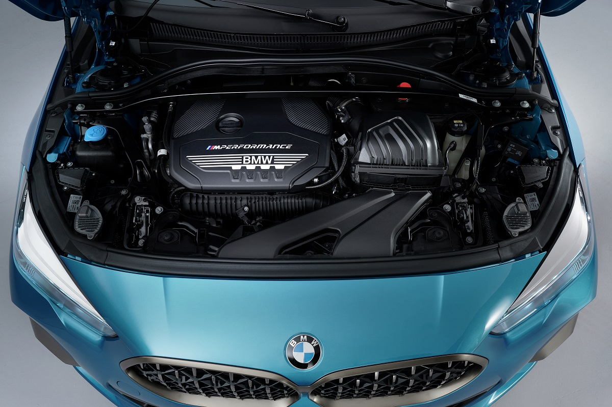 P90370598_highRes_the-all-new-bmw-2-se.jpg