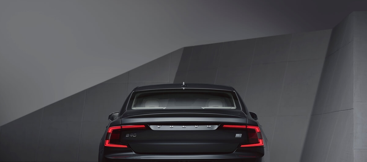 262871_Studio_images_-_The_refreshed_Volvo_S90_Recharge_T8.jpg