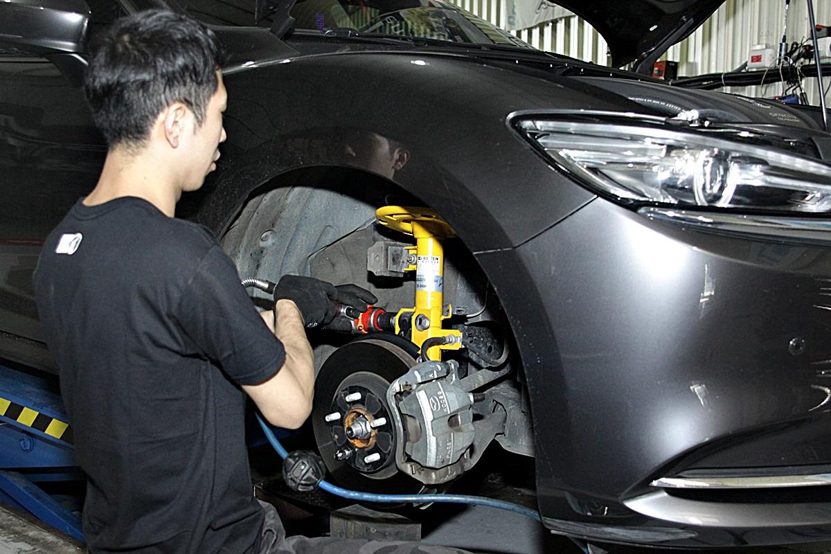 Mazda 6 Wagon BILSTEIN-13.JPG