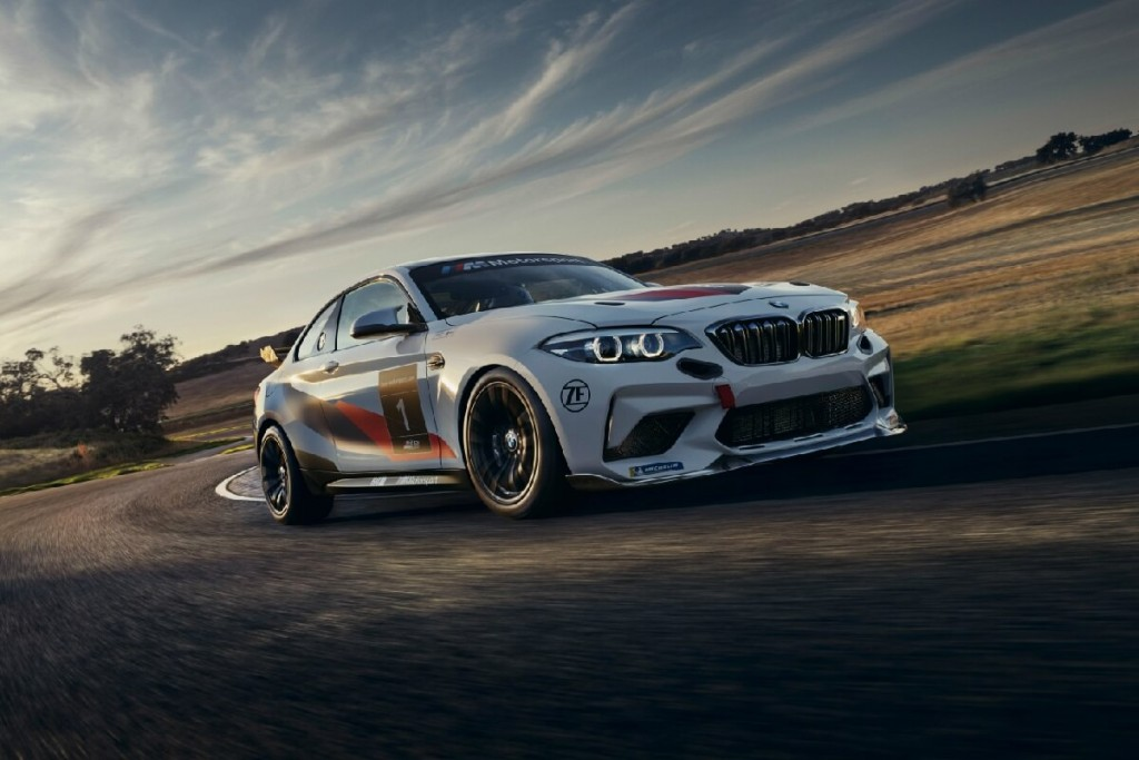 bmw-m2-cs-racing