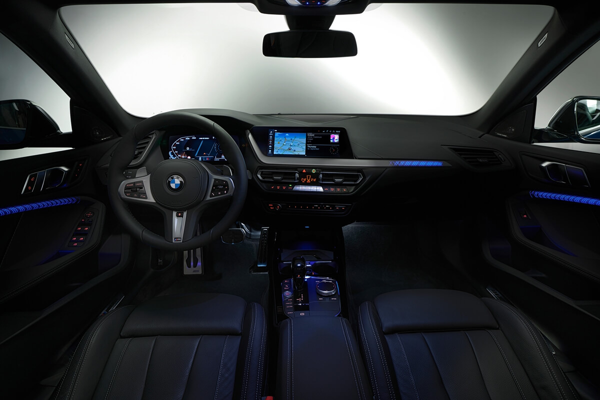 P90370607_highRes_the-all-new-bmw-2-se.jpg