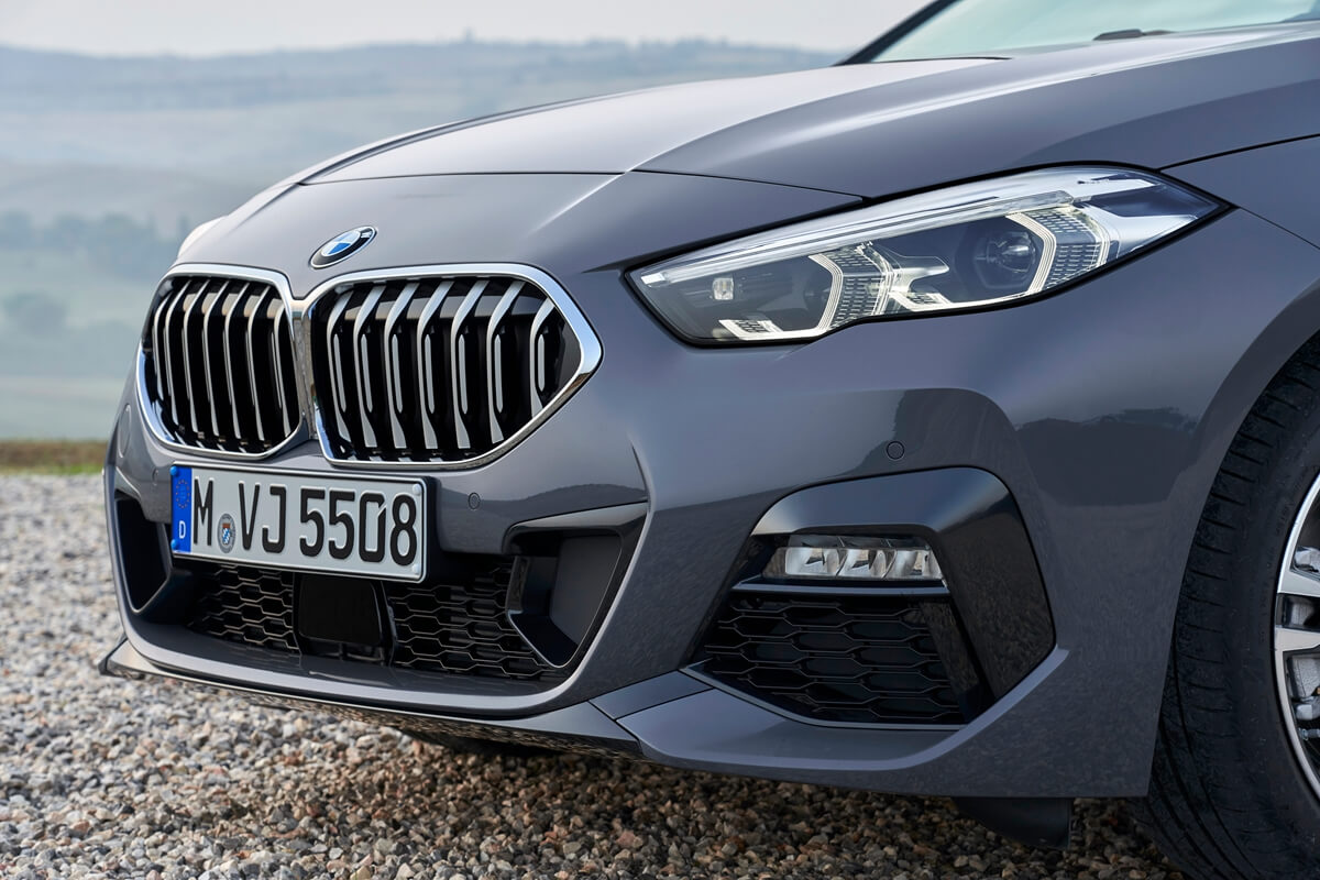 P90370554_highRes_the-all-new-bmw-2-se.jpg