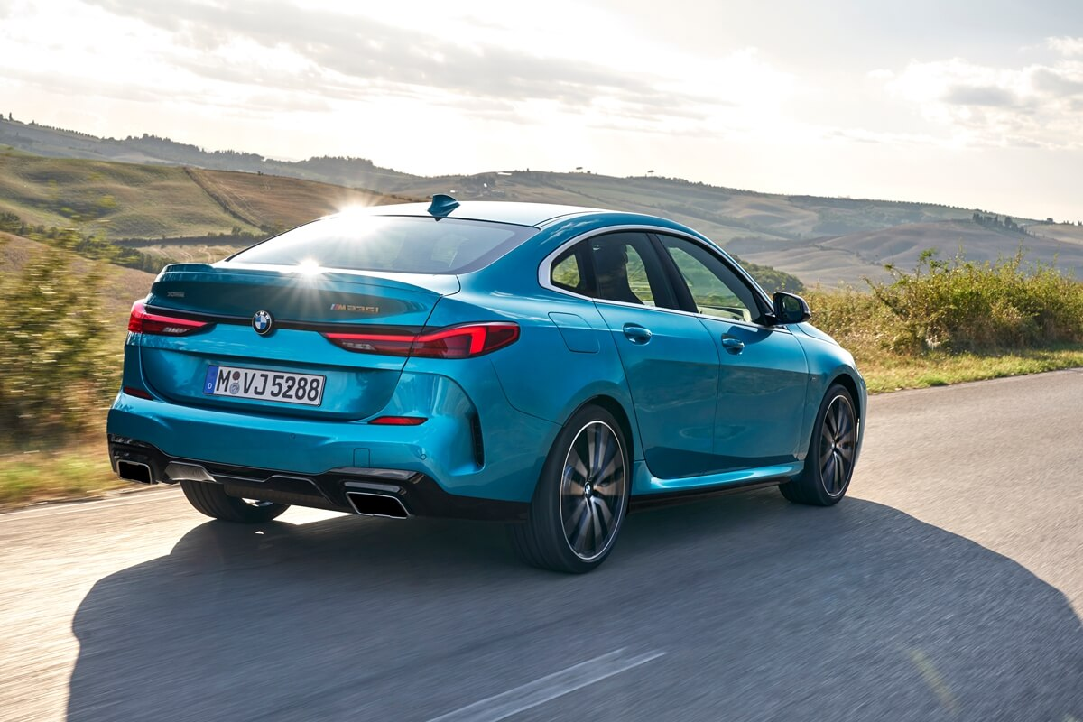 P90370503_highRes_the-all-new-bmw-2-se.jpg