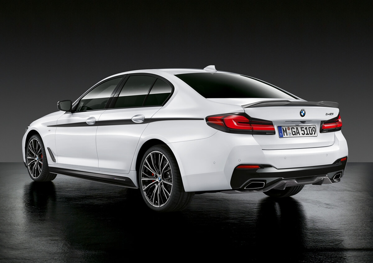P90388587_highRes_the-new-bmw-5-series.jpg