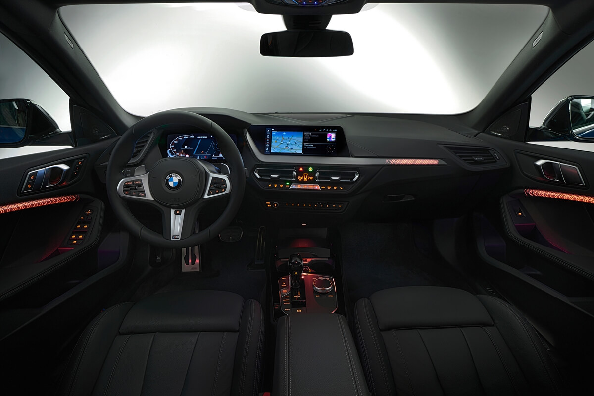 P90370608_highRes_the-all-new-bmw-2-se.jpg