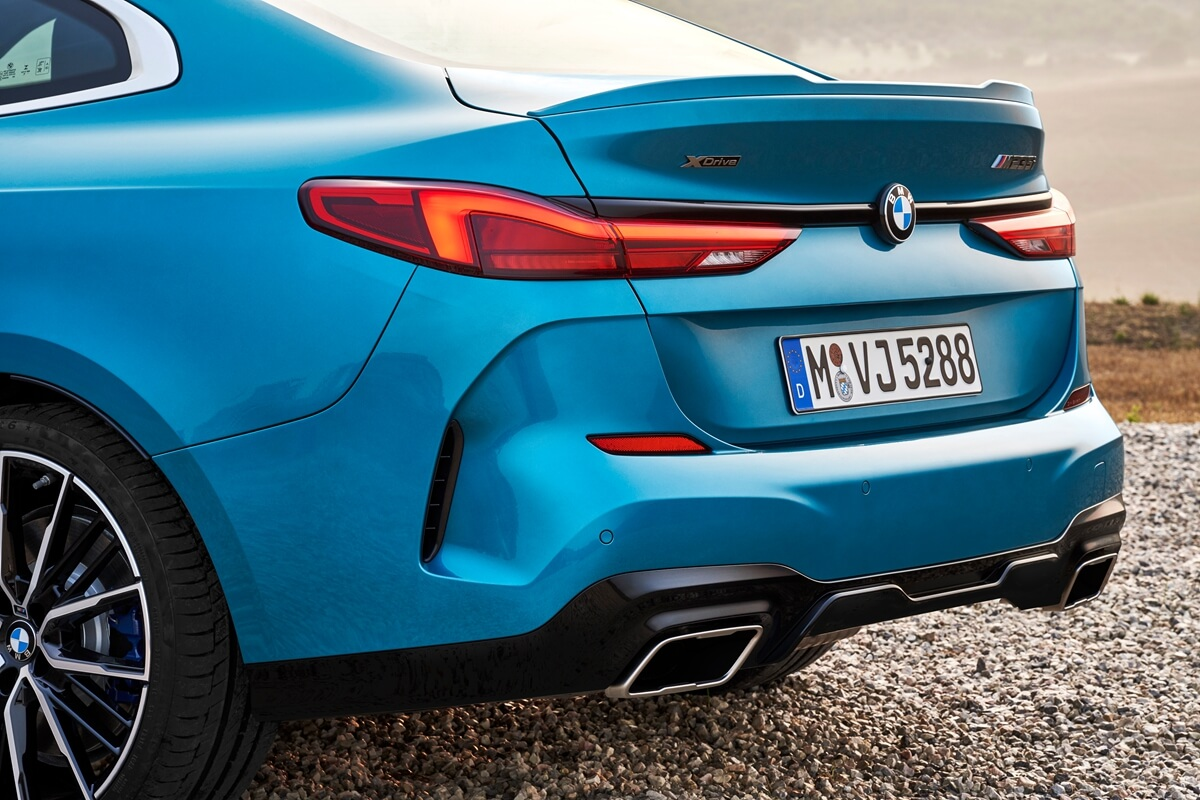 P90370513_highRes_the-all-new-bmw-2-se.jpg