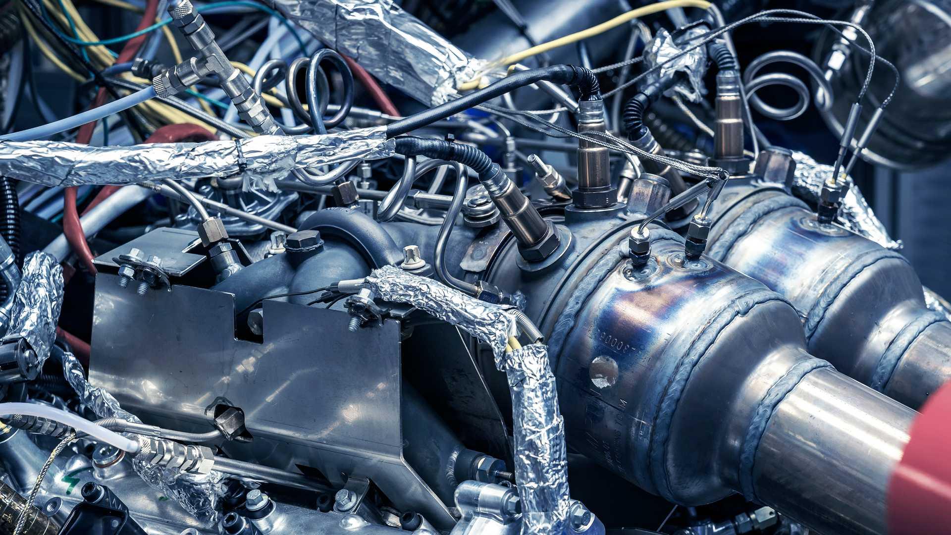aston-martin-valhalla-tm01-3.0-liter-turbocharged-v6 (4).jpg