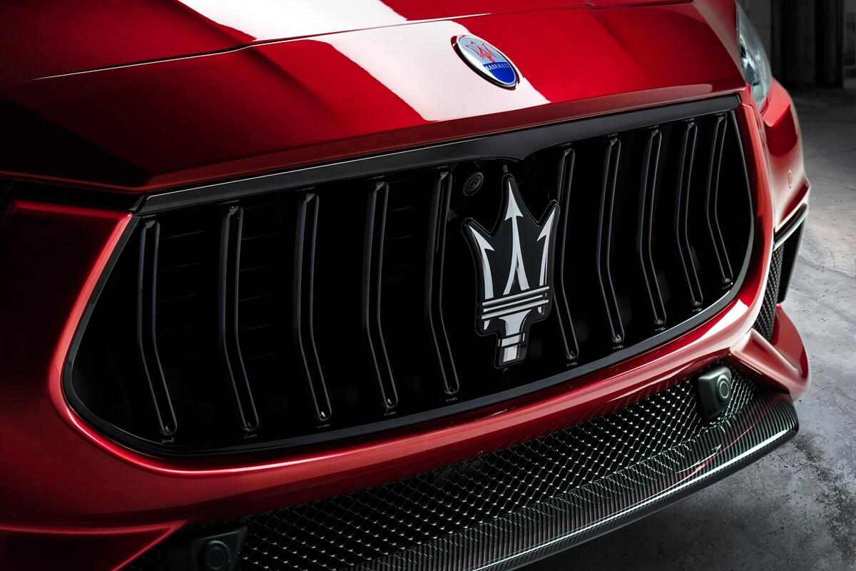 20_Maserati_Ghibli_Trofeo.jpg
