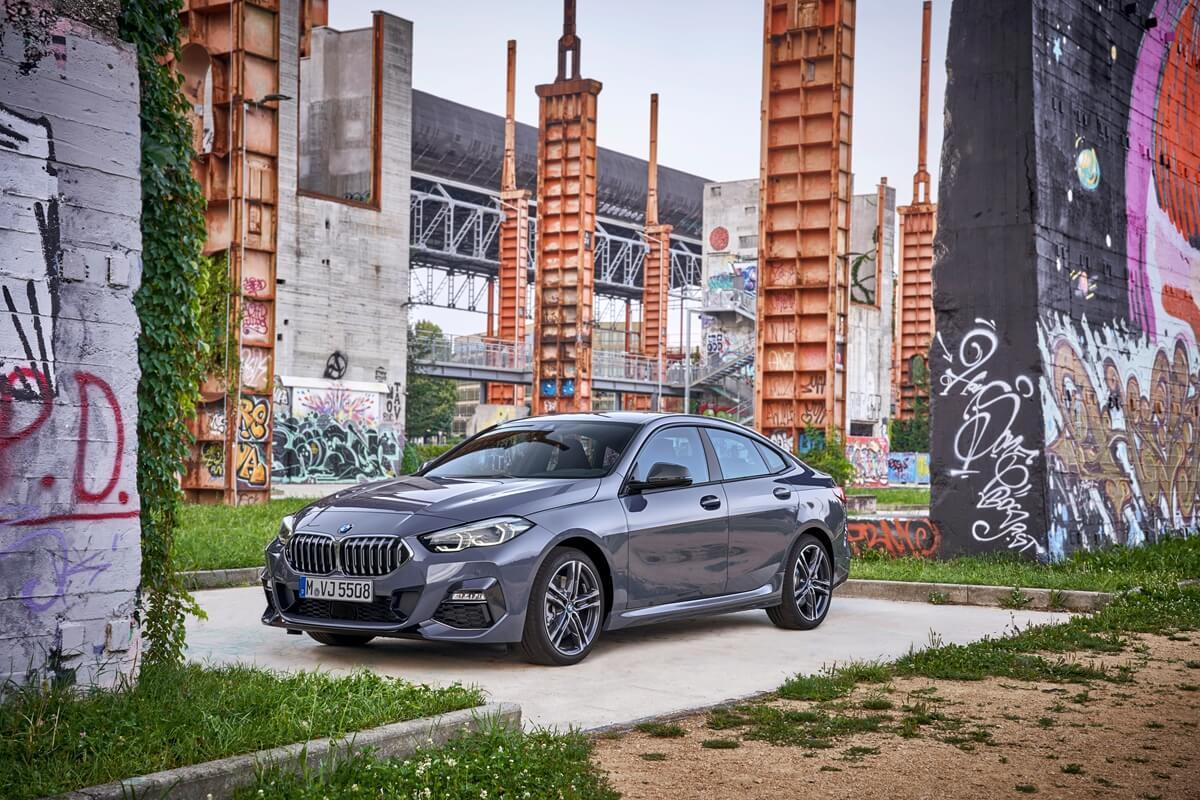 P90370569_highRes_the-all-new-bmw-2-se.jpg