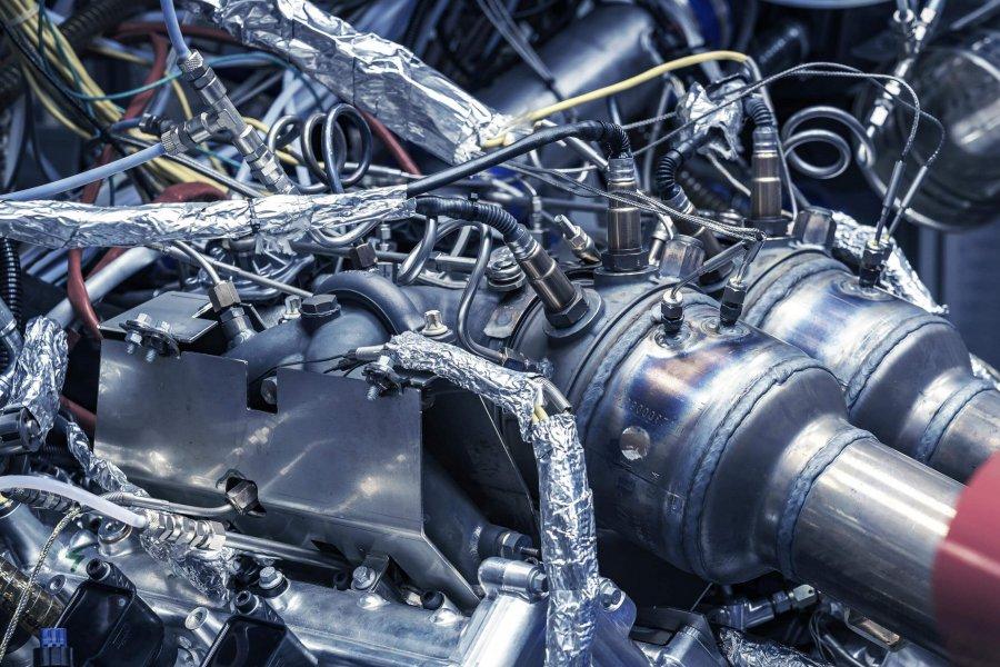 New-Aston-Martin-V6-Engine-6-e1585016098569.jpg
