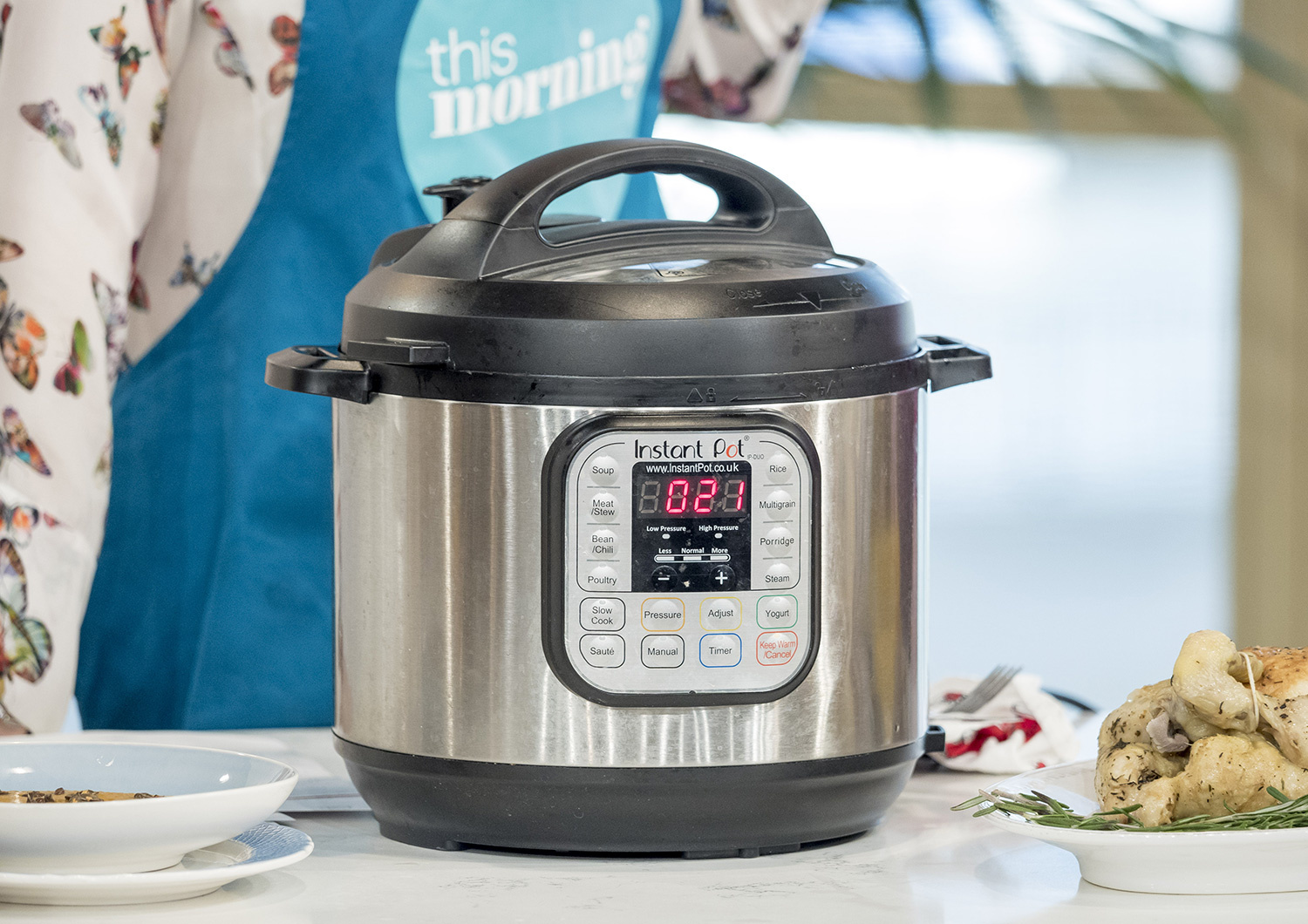Get this best-selling cookbook with 500 Instant Pot recipes for just $4 today