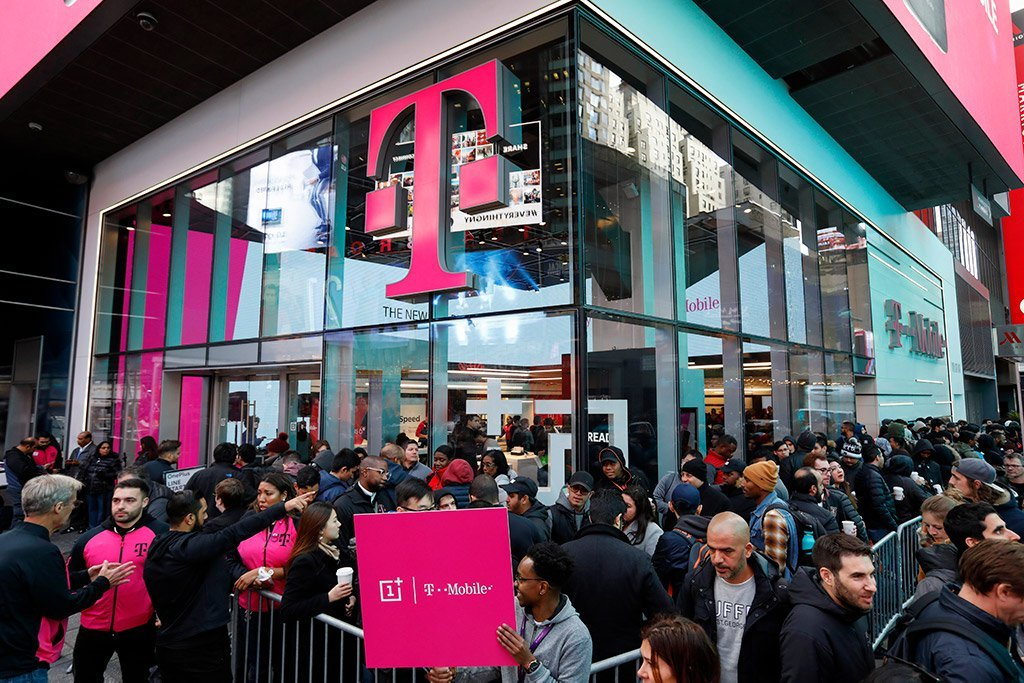 Justice Department approves $26.5 billion T-Mobile and Sprint merger
