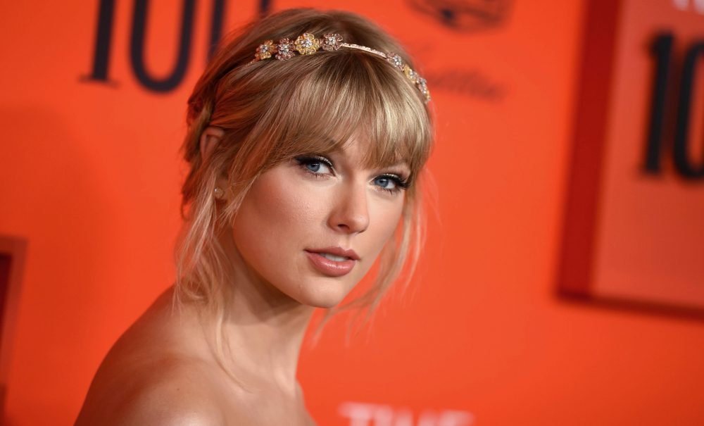 Taylor Swift to Receive Icon Award at 2019 Teen Choice Awards