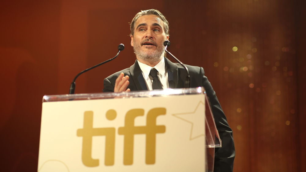 Joaquin Phoenix Credits River Phoenix For Acting Career in Emotional Speech