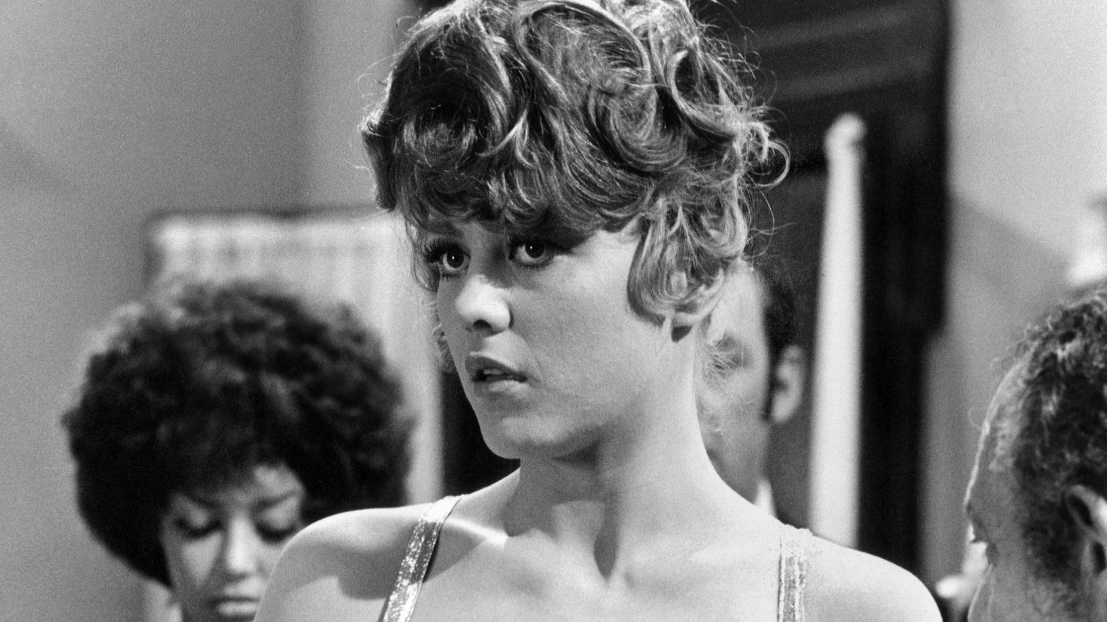 Margaret Nolan, 'Goldfinger' Model and Actress in 'A Hard Day's Night,' Dies at 76