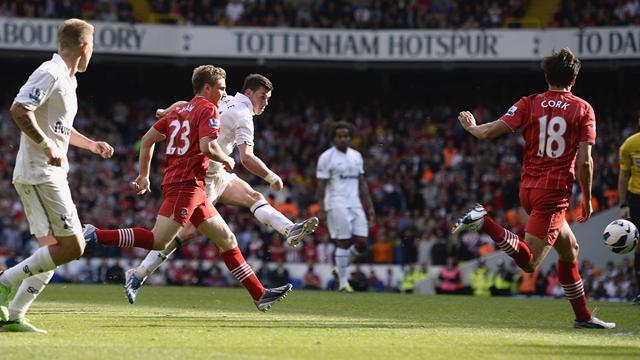 Premier League - Bale stunner rescues win for poor Tottenham