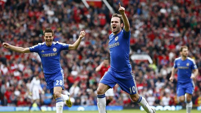 Premier League - Chelsea grab dramatic late winner at Manchester United