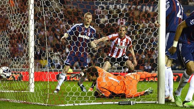 Premier League - Ten-man Sunderland hold Stoke