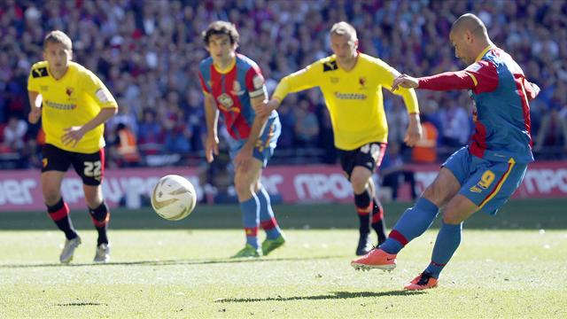 Championship - Phillips sends Crystal Palace into the Premier League