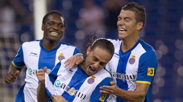 Spanish Liga - Espanyol climb out of relegation zone