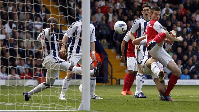 Fulop gaffes gift Arsenal third