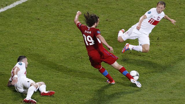 Win sends Czechs through, Poland out