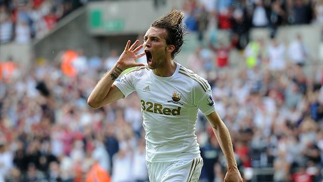 Premier League - Swansea roar back to draw with Reading