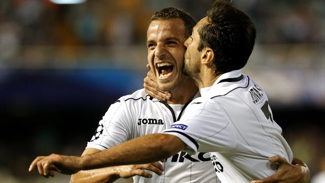 Jonas double gives Valencia valuable win
