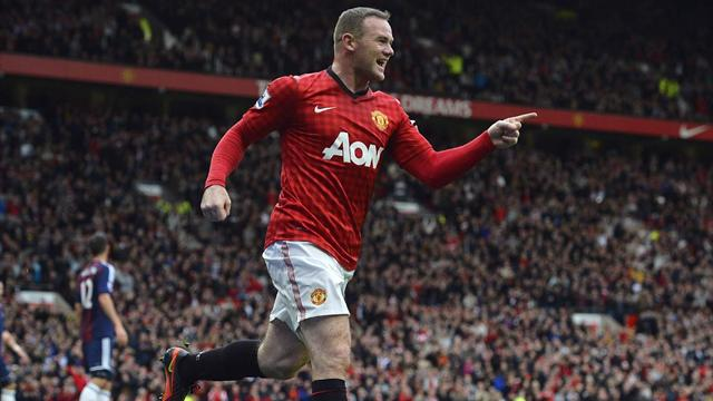 Premier League - Rooney celebrates anniversary in United win
