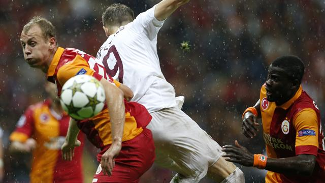 Champions League - Ten-man Cluj hold Galatasaray