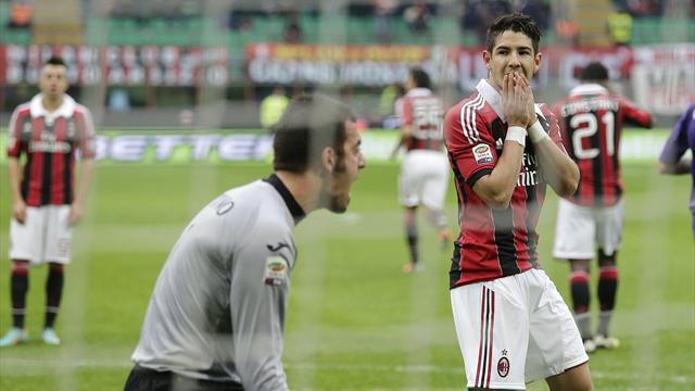 Serie A - Pato misses penalty as Milan lose to Fiorentina