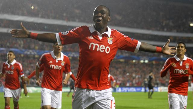 Champions League - Benfica beat Celtic to send Group G tussle to wire