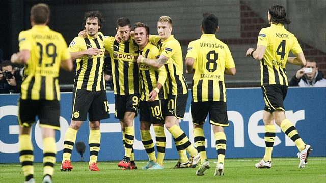 Champions League - Dortmund crush Ajax to progress