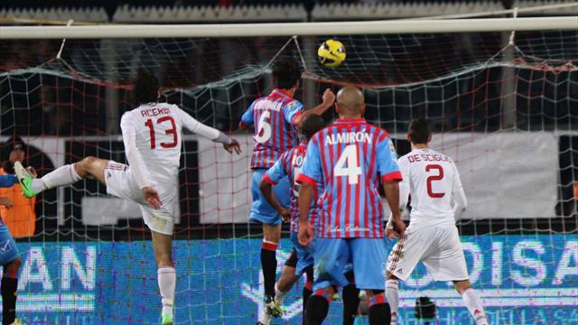 Serie A - El Shaarawy double helps Milan sink 10-man Catania