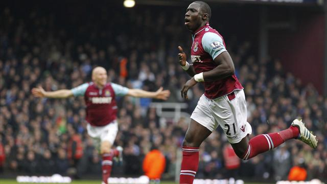 Premier League - Chelsea woes continue in loss at Diame-inspired West Ham