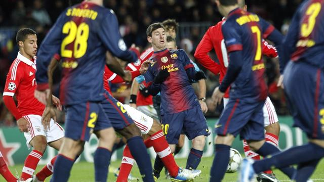 Champions League - Draw at Barcelona sends Benfica out