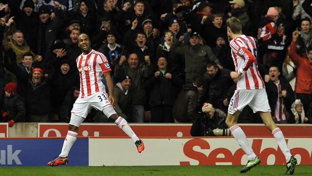 Premier League - Jerome preserves Stoke's home unbeaten record