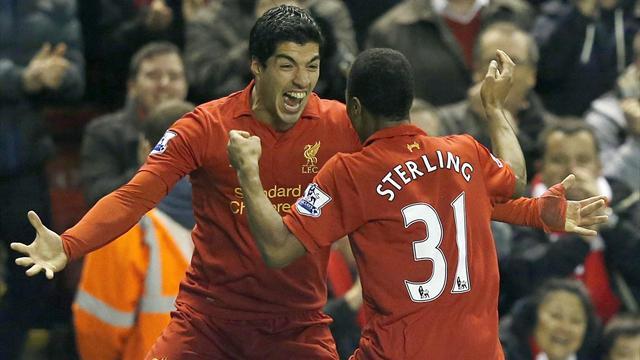 Premier League - Suarez double downs Sunderland