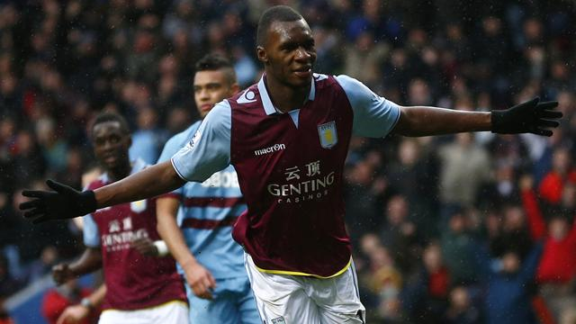 Premier League - Villa survive late drama to beat West Ham