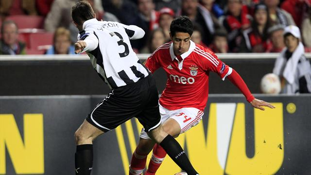 Europa League - Benfica hit three to sink Newcastle