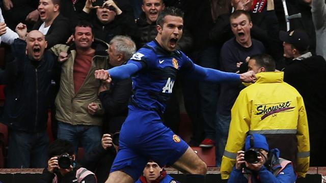Premier League - United close on title as Van Persie ends scoring drought