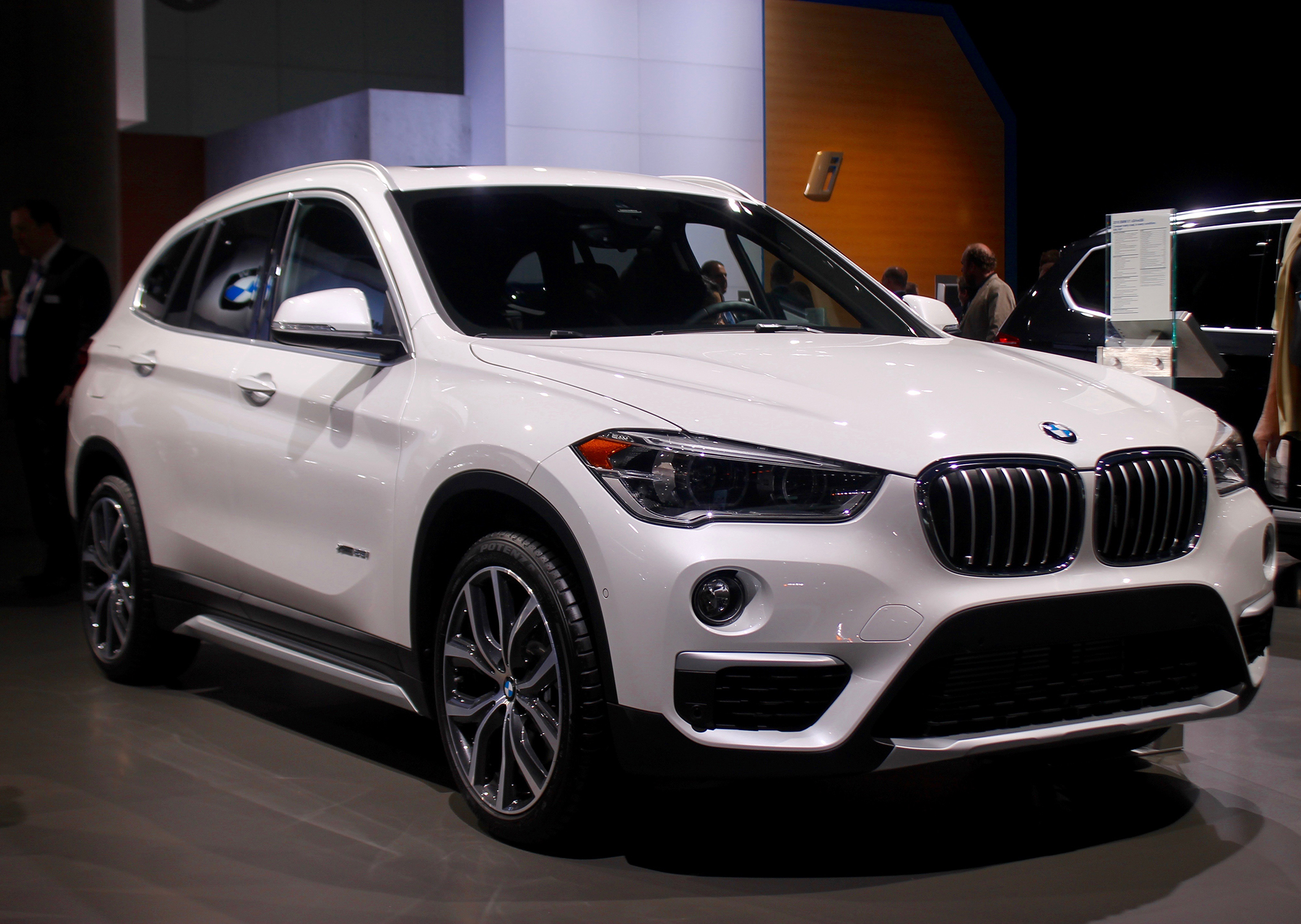31 cars we can 39 t wait to see at the la auto show yahoo for Mercedes benz finance canada