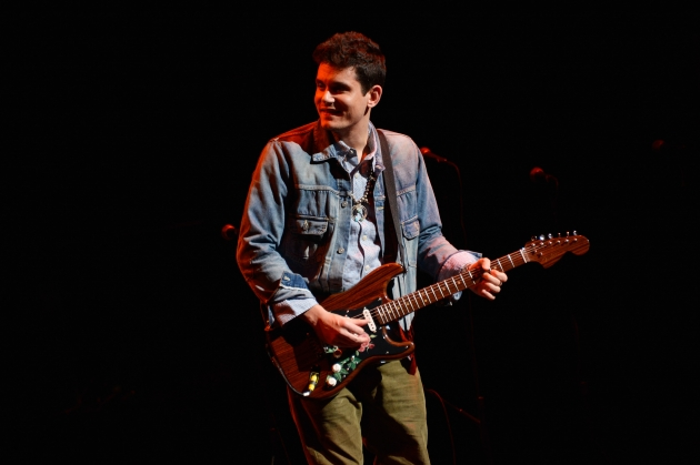 John Mayer performs onstage at the 6th Annual Stand Up For Heroes at the Beacon Theatre on November 8, 2012 -- Getty Images