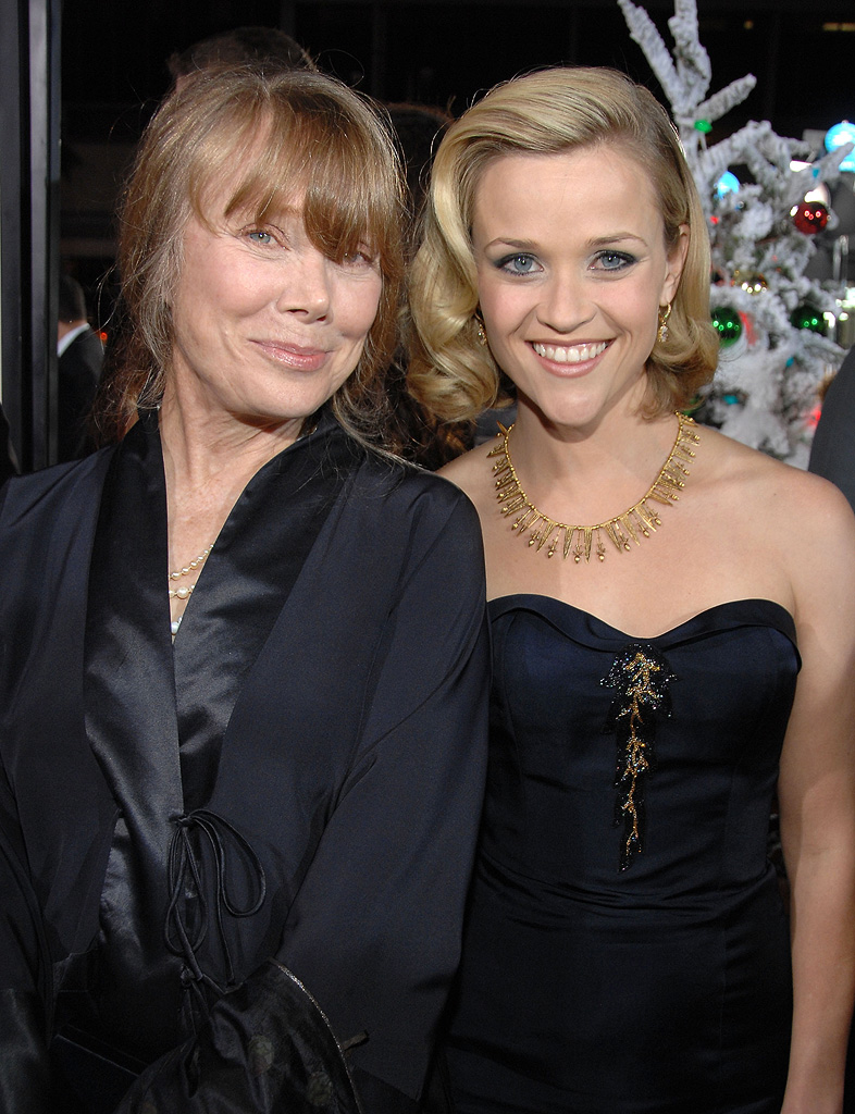 Four Christmases LA Premiere 2008 Sissy Spacek Reese Witherspoon