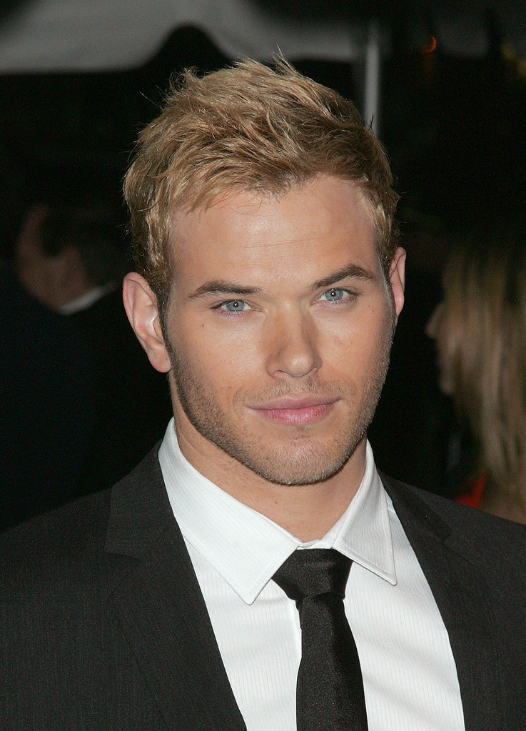 Twilight Saga New Moon NY Screening 2009 Kellan Lutz