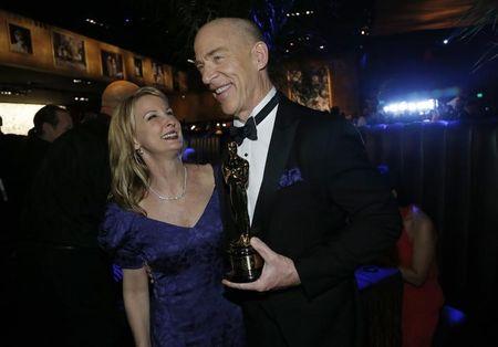 Após premiação do Oscar, bailes animam a noite dos artistas em Hollywood