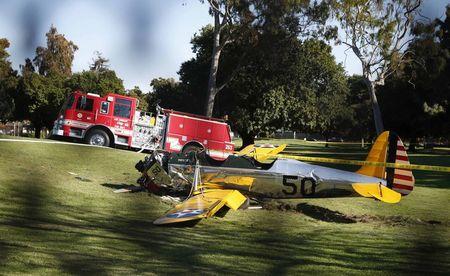 Ator Harrison Ford fica ferido em acidente com pequeno avião nos EUA, diz site