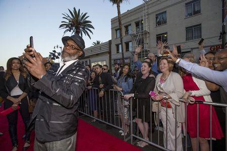 "Hollywood recebe super-heróis na pré-estreia de ""Vingadores 2: Era de Ultron"""