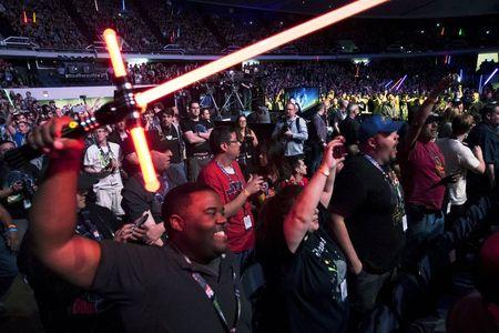 """Han Solo é reverenciado por fãs de Star Wars em novo trailer de """"O Despertar da Força"""""""