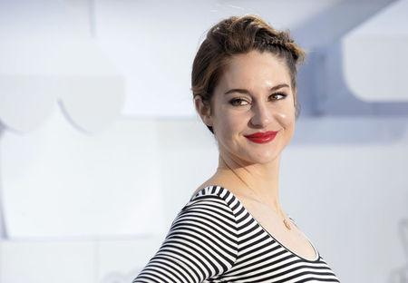 """ESTREIA-Shailene Woodley é adolescente perturbada em """"Pássaro Branco na Nevasca"""""""